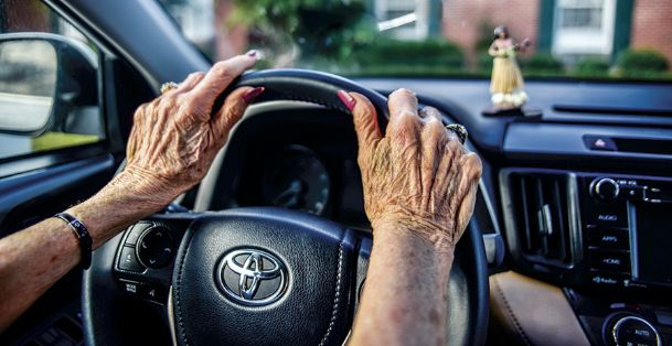 Many senior citizens come to the point where they have to give up their car keys — voluntarily or involuntarily. Even for those who reluctantly decide on their own to stop driving, the loss of freedom can be hard to accept.