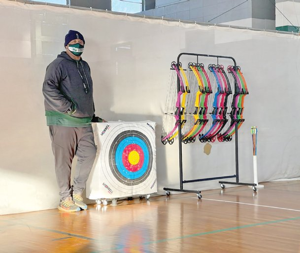 West Point archery coach Steve Cannon founded the Green Wave team four years ago out of a love for archery. The club is open to students in grades 7-12.