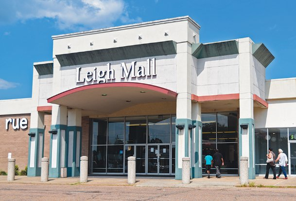Leigh Mall in Columbus sold at an online auction Thursday for $3.5 million.