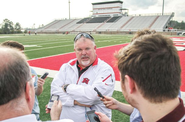 Emcc S Buddy Stephens Comfortable As A Junior College Lifer The