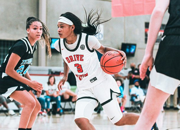 Mississippi State women's basketball commit Jasmine Shavers (3) has been training with former NBA player Jason Terry and WNBA standout Edwina Brown. Shavers has boasted an overwhelming ability to knock down shots from long-range.