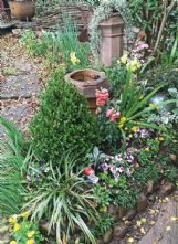 Felder Rushing's Mississippi landscape incorporates a slice of English garden.