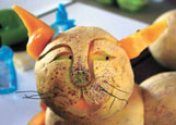A cantaloupe cat was another of Leathers' food sculptures at the Market.