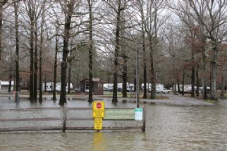 County officials back down from evacuation warning around Okt. Co. Lake